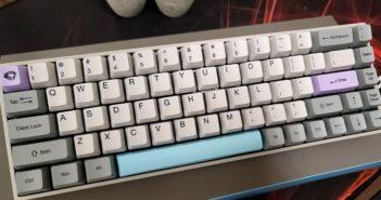 Teste do teclado mecânico sem fio Akko 3068 | MMORPG.com